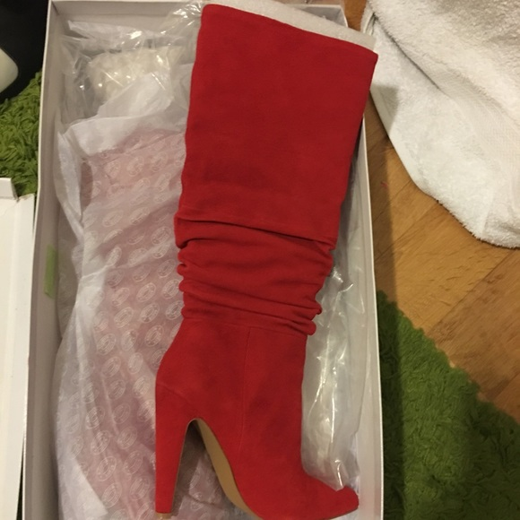 88946124bdf Steve Madden Women's Carrie Slouchy Boots Red 7.5